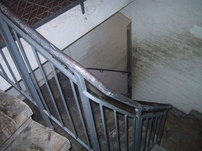 060607_cathe_stairway